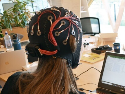 Image depicting a wireless eeg device