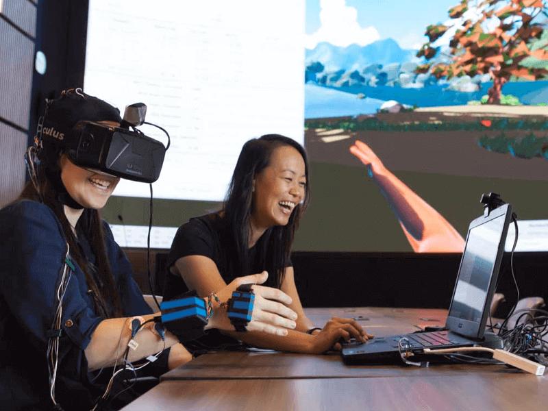 BCI gaming in VR example emotiv bci